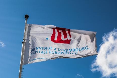 Sub soarele Luxemburghez